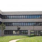 Beton und Glas korrespondieren mit der Natur