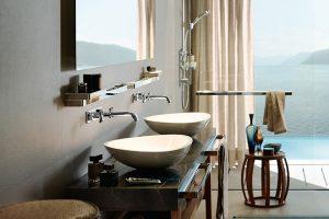 Armaturen und Brausen, die den Alltag im Bad vereinfachen und veredeln und sich elegant in unterschiedliche Badambiente einfügen. Verschiedene Armaturenvarianten bieten zusätzliche Freiheit bei der Badgestaltung.