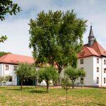 Das Kapuzinerkloster in Aschaffenburg, das heute durch die Brüder und Schwestern der Franziskanischen Gemeinschaft von Bethanien genutzt wird, nach der abgeschlossenen Generalsanierung.