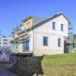 Hoher Wohnkomfort bei niedrigen Kosten: Deutschlandweit das erste Einfamilienhaus im neuen, anspruchsvollen Standard Effizienzhaus 40 Plus in Massivbauweise mit PORIT Porenbeton.