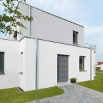 Dank kontrolliertem Feuchtemanagement bietet das biozidfreie Fassadensystem Knauf MineralAktiv effektiven Schutz gegen Algen und Pilze an der Fassade.