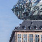 Diamant oder Schiff – Stadt und Hafenbehörde sehen das neue Port House als Symbol für die Tradition des Diamantenhandels und der Schifffahrt.