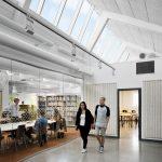 Freizeitbereich, Cafeteria und die Bibliothek wurden kombiniert. All diese Funktionen sind in einer hellen, einladenden und zentral gelegenen Umgebung angesiedelt.