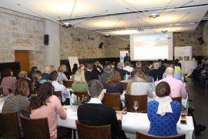 Rund 60 Architekten und Planer nutzten die Gelegenheit sich bei der Knauf Veranstaltung in Radebeul über das Thema Decke und Akustik zu informieren.