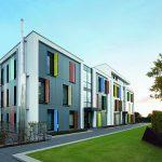 Schüco Corona SI 82 Fensterelemente und Türen sind Bestandteil des ganzheitlichen Energiekonzeptes der Klimaschutzsiedlung Mönchengladbach.