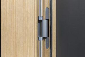 TECTUS TE 680 3D FD Das komplett verdeckt liegende Bandsystem für gefälzte Holzhaustüren bis 160 kg.