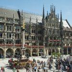 Ein neuer Belag für den Marienplatz in München
