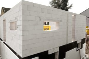 EnEV-gerechte Gebäudelösungen für modernes, nachhaltiges und sicheres Bauen mit den Marken Ytong, Silka und Ytong Multipor waren einer der Schwerpunkte zur Deubau 2010.,