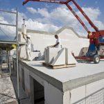 Xella Deutschland hat das großformatige Bauen mit Kalksandstein weiterentwickelt und stellt zur Deubau 2010 das optimierte Konzept Silka XL vor.