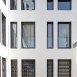 Mit Schüco AutomotiveFinish entstehen hochwärmegedämmte Kunststoff-Fenster in attraktiven Trendfarben.