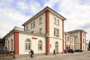 In Schwetzingen wurde jetzt der alte Gründerzeitbahnhof mit Ytong Multipor Mineraldämmplatten zum ersten denkmalgeschützten Null-Heizkostenhaus in Europa umgebaut.