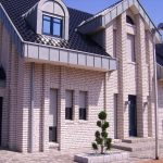 Um eine hohe Luftqualität in Einfamilienhäusern zu erzielen, bietet die LUNOS Lüftungstechnik GmbH verschiedene Möglichkeiten zur energieeffizienten Lüftung an.