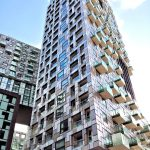 Das Mischnutzungsprojekt Harbour Central umfasst fünf Hauptblöcke mit 8 bis 41 Stockwerken und rund 900 Ein- bis Fünfzimmerwohnungen.