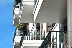 Die mit dem Isokorb RKS angebrachten Balkone dienen gleichzeitig als Dach.