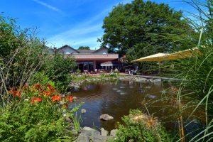 Eingebettet in den westfälischen Naturpark Hohe Mark, liegt die idyllische Hotelanlage Jammertal Resort. Hier vereint sich modernste Haustechnik, Naturverbundenheit und Wellness-Hotellerie auf höchstem Niveau. Umrahmt von altem Baumbestand wurde an dieser