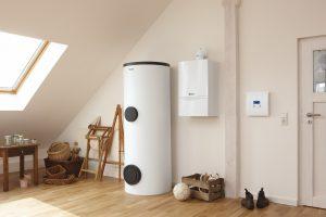 Bei der zentralen Warmwasserbereitung und -speicherung lässt sich auch Wär-meenergie aus erneuerbaren Quellen, wie z. B. Solarkollektoren einfach einbin-den und nutzen.