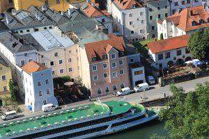 Schön gelegen, aber leider auch akut hochwassergefährdet: das Hotel Residenz in Passau