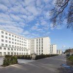 Das Hotel Prora Solitaire zeigt auf ideale Weise, wie ein alter Bau-körper an aktuelle Raumkonzepte angepasst werden kann.