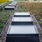 Die Optik der LAMILUX Glaselemente spielte wegen umliegender höherer Gebäude auch in der Draufsicht eine zentrale Rolle.