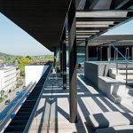 Von der Rooftop Bar aus können die Gäste einen traumhaften Ausblick über Baden-Baden genießen.