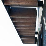 Ohne die verbauten Schöck Isokorb Typ KS Elemente wäre es schwierig bis unmöglich geworden, die Vordachkonstruktion in der ausgeführten Leichtigkeit zu konstruieren und die bauphysikalisch problematische Wärmebrücke am Anschluss an die Stahlbetondecken zu