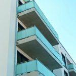 Die Balkone, Loggien und Dachterrassen bieten Wohnkomfort auch im Freien.