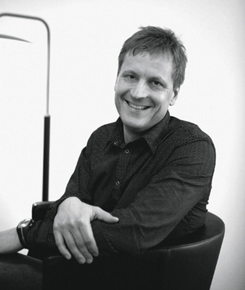 Tomas Ekström, Kinnarps Umwelt- und Qualitäts-Manager freut sich über den Einzug ins Finale des E-Prize, Schwedens größtem Wettbewerb für Energieeinsparung.