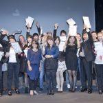 Die Studenten freuen sich bei der Preisverleihung des International VELUX Award 2010 in La Rochelle über ihre Auszeichnungen.