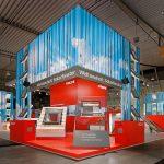 In Halle 3, Stand 339, präsentiert VELUX auf der BAU 2011 in München seine Produkte.