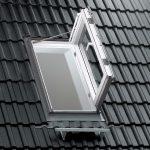 Sicherheit von VELUX mit dem Rauch- und Wärmeabzugsfenster Flachdach jetzt auch auf flachen und flach geneigten Dächern.