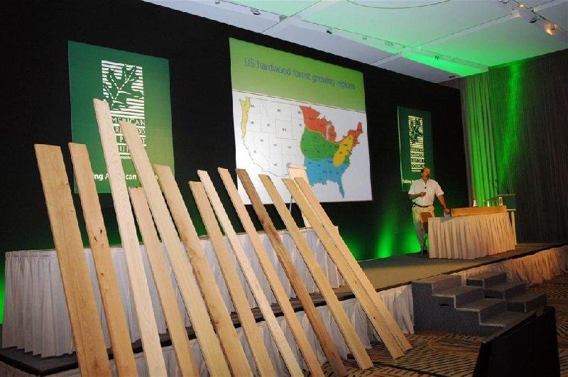 Am 27. und 28. Oktober findet der diesjährige Europäische Laubholz-Kongress des American Hardwood Export Council (AHEC) erstmalig in Warschau statt. Alle zwei Jahre treffen sich Repräsentanten der Holzbranche, wie zuletzt im Oktober 2009 in Athen, um über