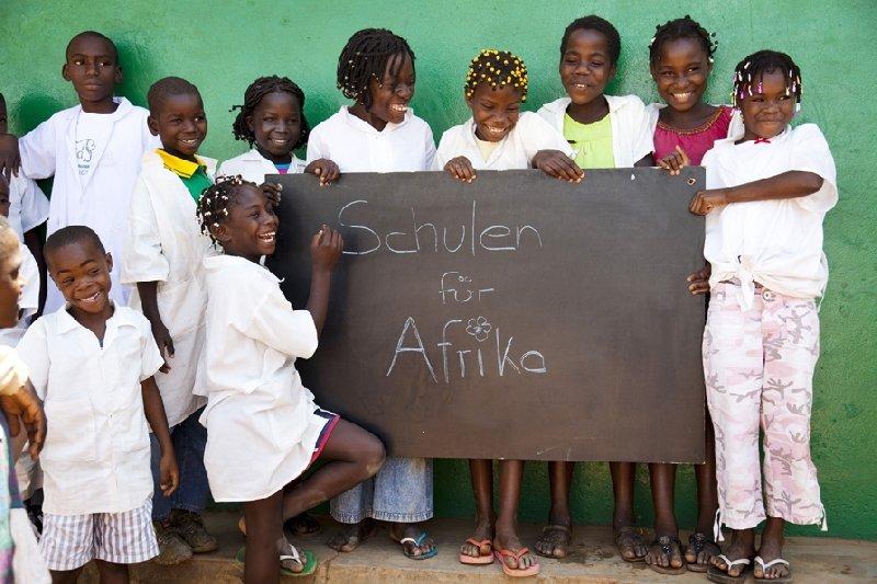 PORIT setzt sein Engagement für die UNICEF-Kampagne auf der BAU 2011 fort