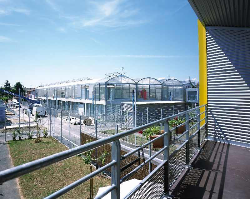 Lacaton & Vassal modernisieren soziale Wohngebäude und wurden für ihre innovativen Projekte mit dem VELUX Daylight and Building Component Award ausgezeichnet.