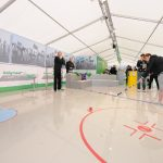 """Die Heidelberger Beton GmbH war auf der EPF mit einem 170 Quadratmeter großen Aktionsstand vertreten. Unter dem Motto """"Die 3 Volltreffer für jeden Boden"""" wurden den Besuchern nicht nur Fachinformationen und Know-how rund um die Produkte Poriment, CemFlow"""