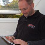 Die VELUX App unterstützt den Handwerker beim Beratungsgespräch vor Ort mit dem Kunden.
