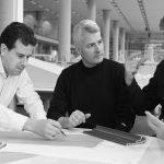 Das neue Oberlicht-System verbindet das VELUX Know-how in Sachen Tageslicht, Frischluft und Raumklima mit der herausragenden Fachkompetenz von Foster + Partners in Bezug auf Architektur und Design. (Von links: Stephan Verkuijlen, Architekt bei Foster + Pa