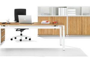 Mit funktionalem Design und einem kompakten Systemkonzept bietet das neue Tischprogramm WINEA ECO von WINI eine zeitgemäße, ökonomische Büroeinrichtung.