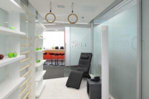 Bewegungsförderung im Büro | Bild: Martin Klindtworth/Eurocres ActiveOffice®