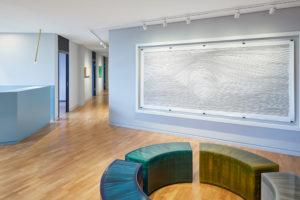 Moderne Kunst für Bürofläche
