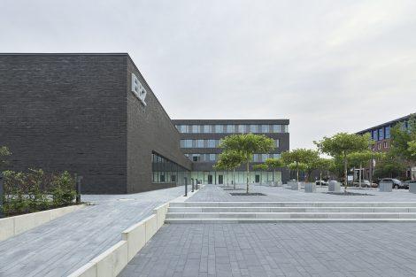 Fertiggestellter Neubau erweitert das Europäische Bildungszentrum in Bochum