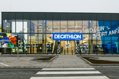 Neue Decathlon-Filiale: Dachterrassen sportlich leicht saniert