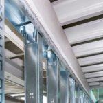 Deckenanschluss mit gleitendem Wandsteckwinkel, Interpneu Logistikzentrum