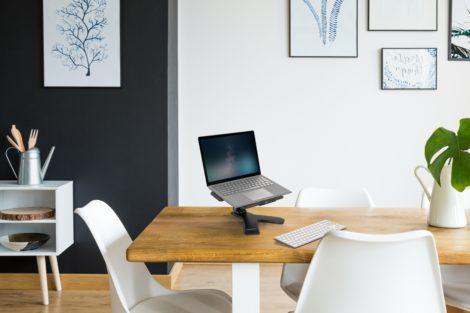 Ein Home Office das sich positiv auf Ihr Wohlbefinden, Ihre Produktivität und Ihre Gesundheit auswirkt