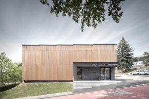 Sport- und Kulturhalle Neutal (A) von SOLID Architecture