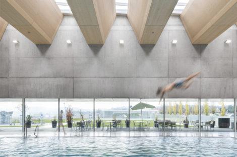 Tageslicht- und Lüftungssysteme für Sportbauten: Leicht, robust, ästhetisch