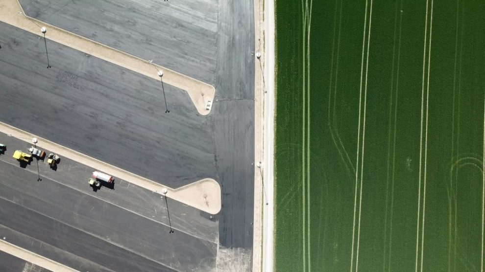 Verbaute Erde - Parkflächen statt Ackerland   Bild© ÖHV
