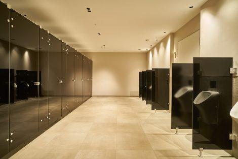 WC-Trennwandsystem NOXX smart aus Glas