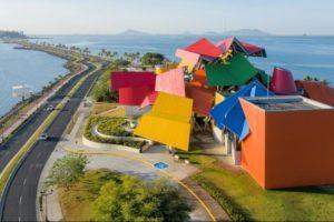 Das Biomuseum in Panama-Stadt wurde von Frank Gehry entworfen (deutschlandradio / M. Marek)