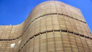 Der Aufwand, um diese Wohnmaschine mit 5000 Menschen am Leben zu halten, ist enorm. (imago images / AGB Photo)