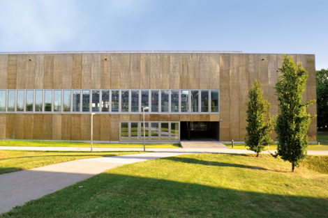 Mensa Campus Garching in Holz-Fassade